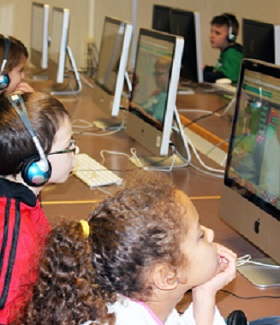 V - Elementary students in computer lab